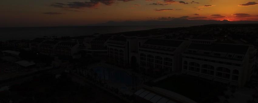 Sonnenuntergang hinter dem Alva Donna Exclusiv Hotel